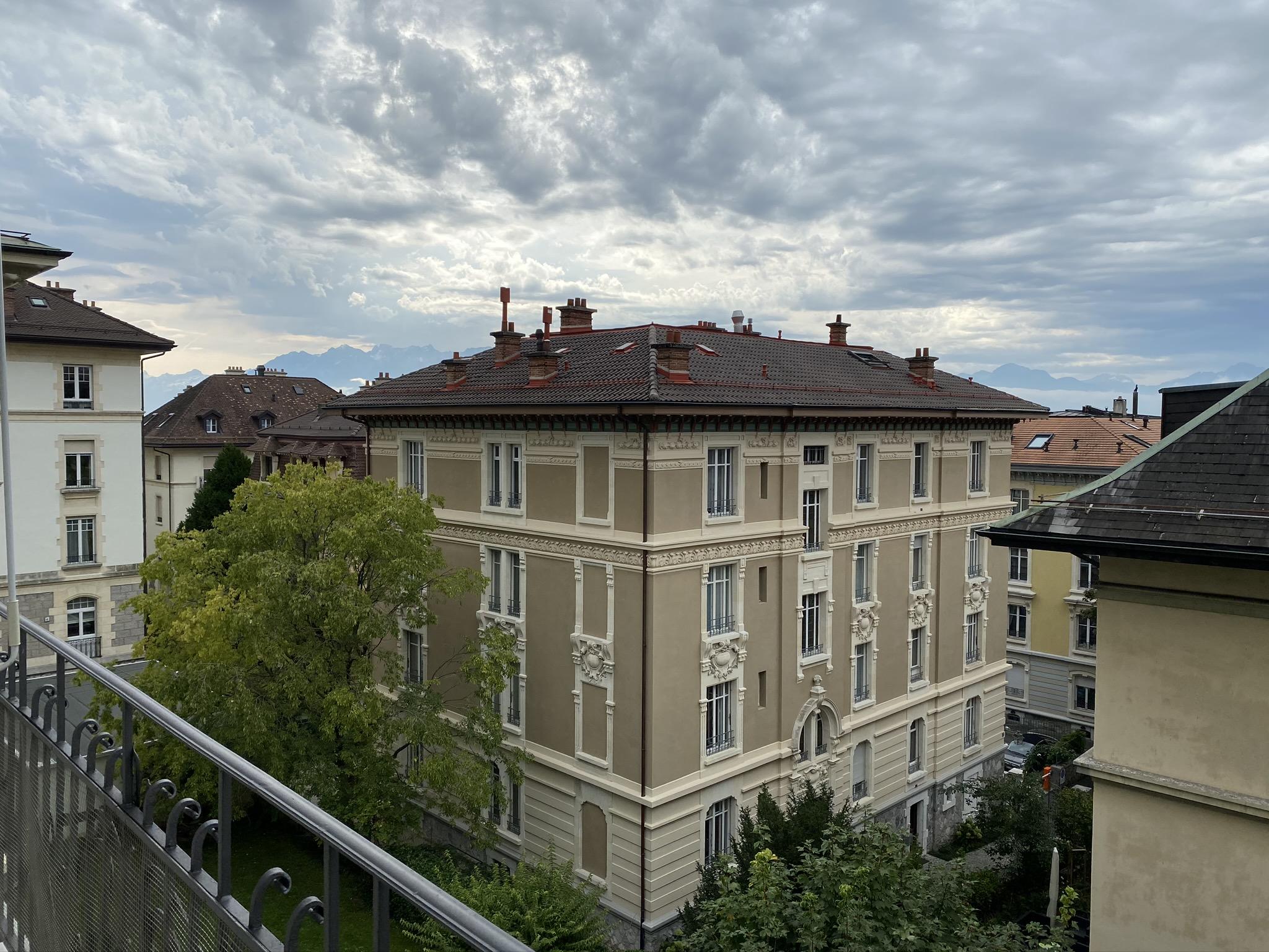 Av. des Alpes 2, Lausanne - 2,5 pièces 18